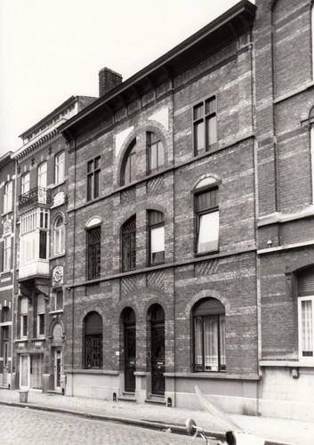 Gent Sint-Amandsberg Toekomststraat 83-85 (anno 2014: huisnummers 73-81)