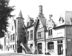 Gent Sint-Denijs-Westrem Gemeenteplein 1-2 (https://id.erfgoed.net/afbeeldingen/211819)