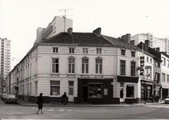Gent Wondelgemstraat 34-36, hoek Triomfstraat (https://id.erfgoed.net/afbeeldingen/212951)