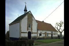 Kapel Heilige Lazarus en aanpalende woning met omgeving