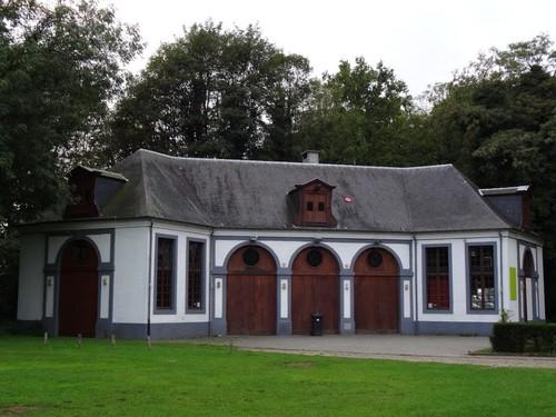 Antwerpen Bredabaan 561 Dienstgebouw bij het kasteel