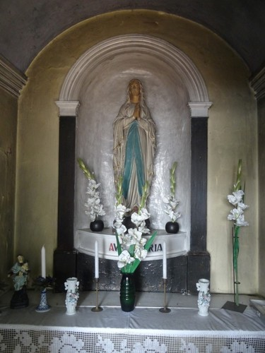 Wichelen Brugstraat 51 Interieur van de kapel