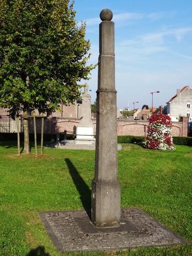 Geraardsbergen Ommegangstraat zonder nummer Schandpaal voor de kerk