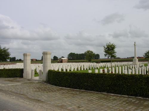 Dikkebus: The Huts Cemetery: toegang