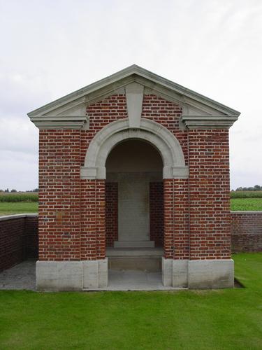 Dikkebus: The Huts Cemetery: schuilhuis