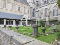 Parochiekerk Sint-Maarten en bijhorend klooster