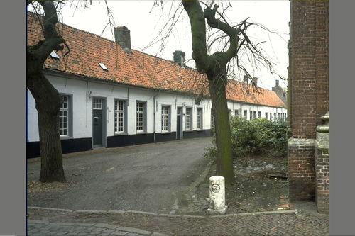 Hoogstraten Begijnhof 1-8