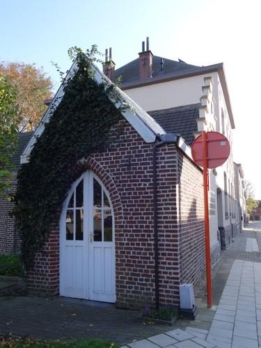 Melle Kloosterstraat Kapelletje tegen het gebouw met ID 36270