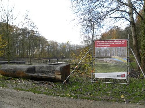 Inrichting van de vijver bij het natuureducatief centrum (Nieuwenhoven 3, Sint-Truiden)