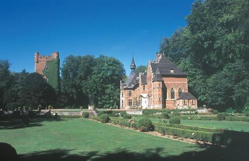 De donjon, het kasteel en de 'Franse tuin' van Groot-Bijgaarden