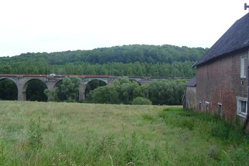 Voeren viaduct vanaf Middelhof bij vallei van de Gulp bij Teuven