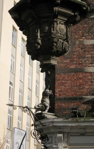 Antwerpen Isabellalei 2 uithangbord
