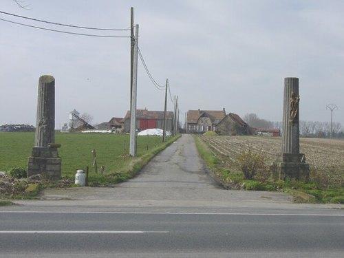Voormezele: Kemmelseweg: zuilen