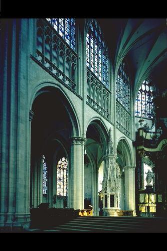 Mechelen Onze-Lieve-Vrouwekerkhof zonder nummer interieur