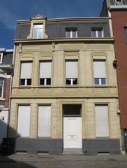 Dokterswoning in neoclassicistische stijl