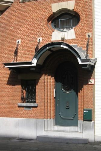 Antwerpen Theophiel Roucourtstraat 11-13 portaal