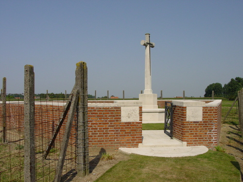 Vlamertinge: Red Farm Military Cemetery: toegang
