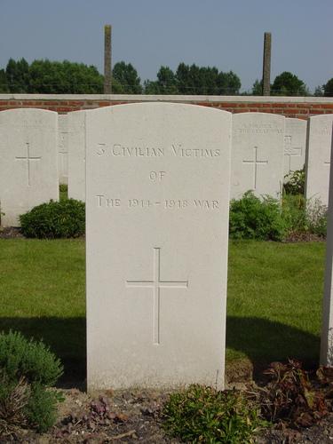 Vlamertinge: Red Farm Military Cemetery: graf 3 burgers