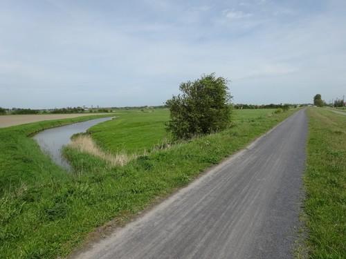 vertakking van de Sluiskreek en voormalige spoorverbinding Torhout-Oostende