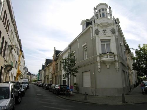 Antwerpen Lange Van Ruusbroecstraat 52 oplopend, hoekhuis Ramstraat 1