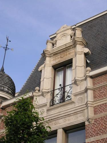 Antwerpen Dolfijnstraat 49 detail dakvenster
