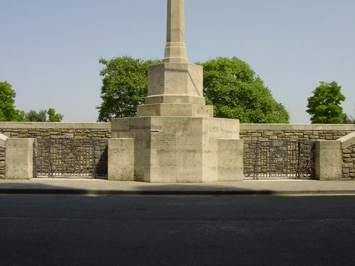 Vlamertinge: Vlamertinghe Military Cemetery: toegang