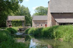 Hasselt Herkenrodeabdij 1, 1A, 2-4, 3-5 Abdij van Herkenrode  Tuiltermolen (https://id.erfgoed.net/afbeeldingen/225395)