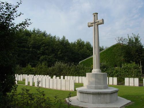 Brielen: Railway Chateau Cemetery: Cross of Sacrifice