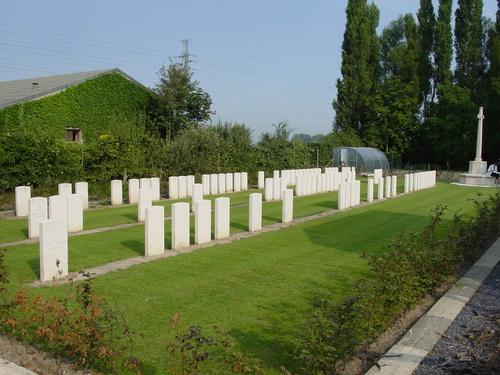 Brielen: Railway Chateau Cemetery
