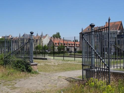 Gent Voorhavenlaan zonder nummer Detail van het hek