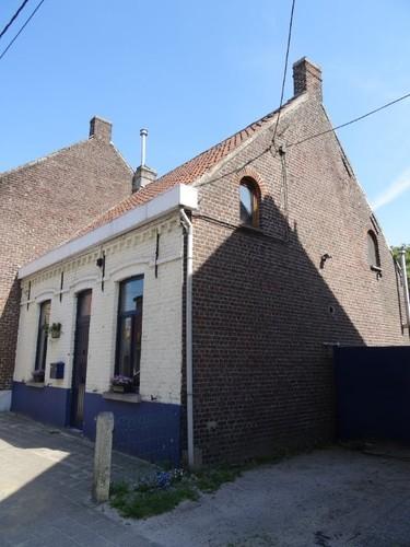 Evergem Belzele Dorp 45 (huis aan de straat)