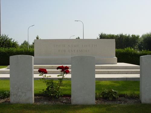Vlamertinge: Brandhoek Military Cemetery: Stone of Remembrance