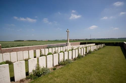 Boezinge,  Moortelweg, No Mans Cot Cemetery (Pieter Trogh)