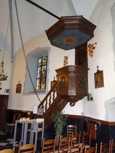 Waasmunster Heidekapelstraat zonder nummer Preekstoel in de kapel