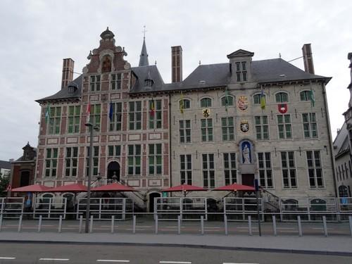 Sint-Niklaas Grote Markt 45 Prochiehuis en Ciperage