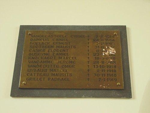 Brielen: kerk: gedenkplaat militaire slachtoffers