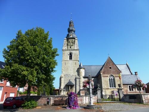Dendermonde Mespelare Mespelarestraat linde bij kerk en schandpaal