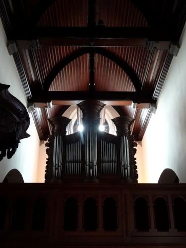 Sint-Martens-Latem Dorp zonder nummer Orgel in de Sint-Martinuskerk