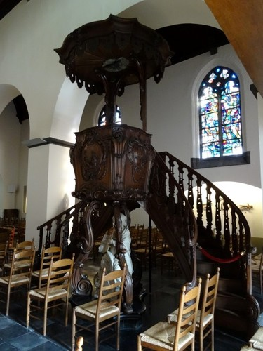 Sint-Martens-Latem Dorp zonder nummer Preekstoel in de Sint-Martinuskerk