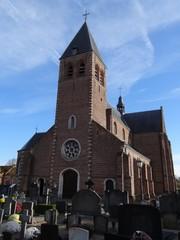 Parochiekerk Heilige Elisabeth van Hongarije en kerkhof