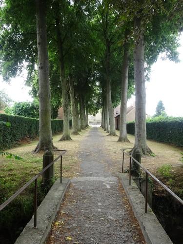 Verbindingsdreef tussen de dorpskern van Leefdaal en het kasteeldomein de Liedekerke