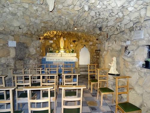 Zottegem Grotstraat zonder nummer Interieur van de Lourdesgrot
