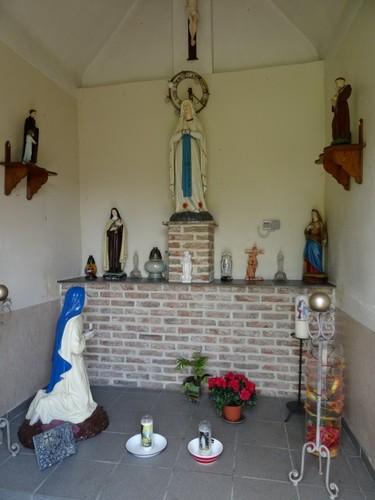 Lierde Keiberg zonder nummer Interieur van de Lourdeskapel