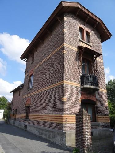 Zottegem Korte Hage 1 Zuidwestzijde van het spoorwachtershuis