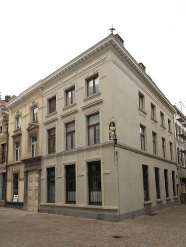 Antwerpen Sint-Pieter-en-Paulusstraat 2, Jezuïetenrui 10