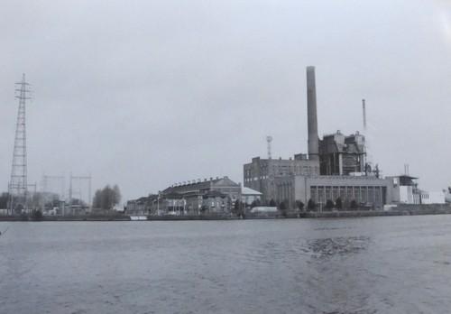 Elektriciteitscentrale Langerbrugge aan zeekanaal Gent-Terneuzen