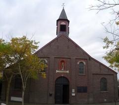 Sint-Eligiuskerk Bentille met kerkhof