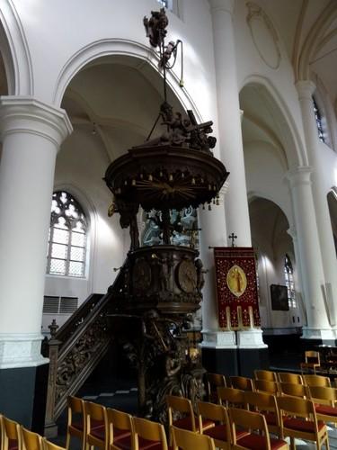 Sint-Laureins Stee zonder nummer Preekstoel in parochiekerk Onze-Lieve-Vrouw Hemelvaart