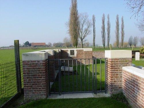 Boezinge: Minty Farm Cemetery: toegang