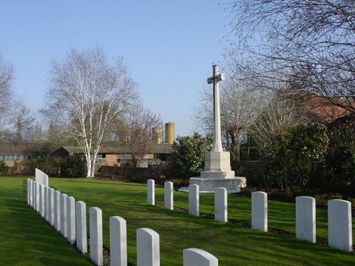 Boezinge: Minty Farm Cemetery: Cross of Sacrifice